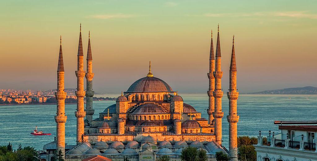 Visite la magnífica Mezquita Azul