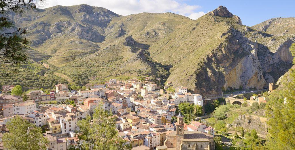Situado en el pueblo de Arnedillo, en La Rioja - Hotel SPA TermaEuropa Balneario Arnedillo 4* Logroño