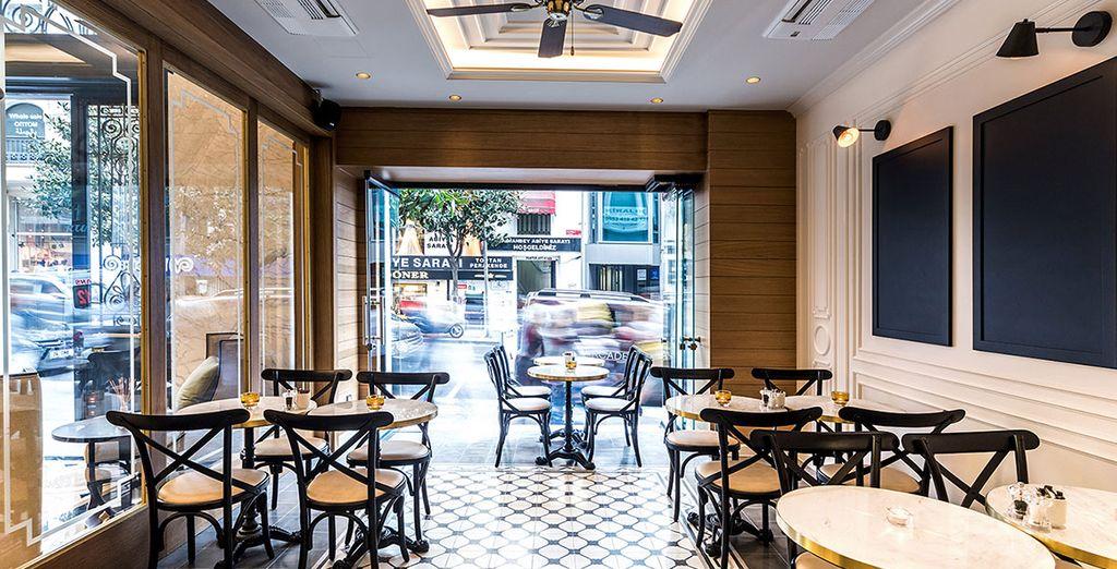 Arcade Bistro Cafe sirve tanto cocina internacional como platos tradicionales de Turquía