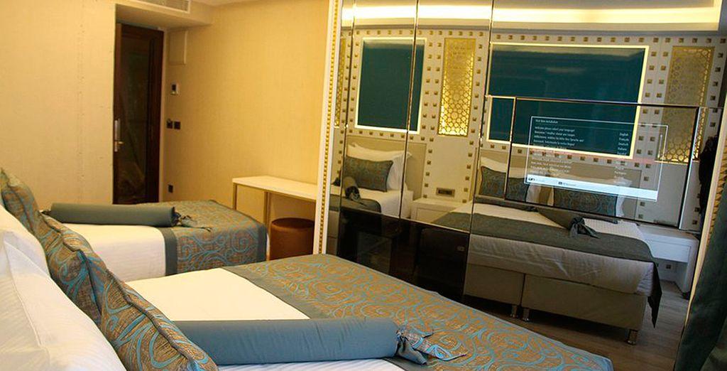 Las habitaciones cuentan con un diseño moderno con aire tradicional