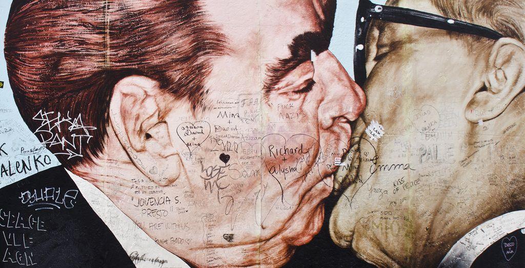 Descubra el famoso beso de Breznev y Honecker en el muro de Berlín