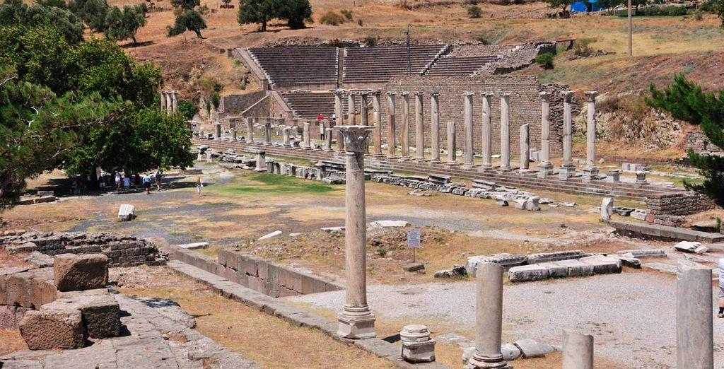 En Esmirna disfrute de restos de antiguas civilizaciones
