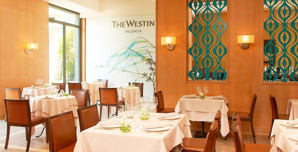 Comienza el día con un variado y riquísimo desayuno buffet en el restaurante Rosmarino