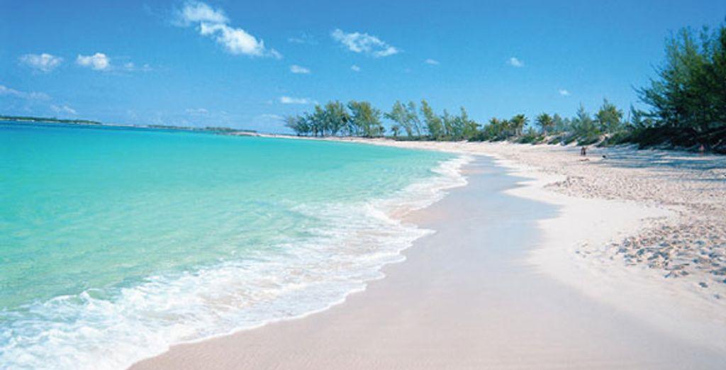 Puis visitez Nassau et sa Casble Beach