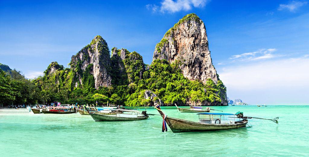 Craquez pour notre combiné et commencez votre séjour à Phuket - Les Merveilles Cachées du Sud en 7, 10, 12 ou 14 nuits Phuket