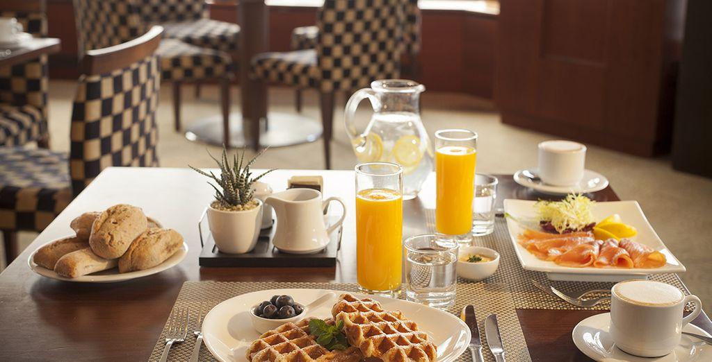 Et goûtez à un délicieux petit-déjeuner