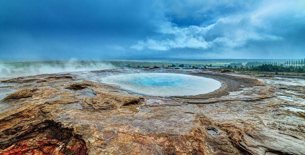Discover unique lunar landscapes.... - Radisson Blu Saga 4* Reykjavik