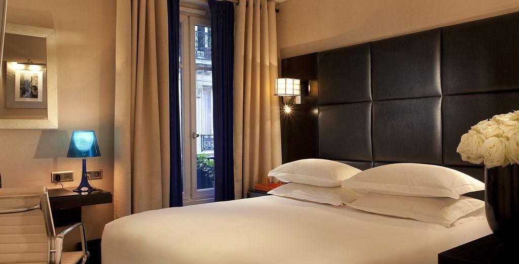 Stay in a premium rooom - Mon Hotel 4* Paris