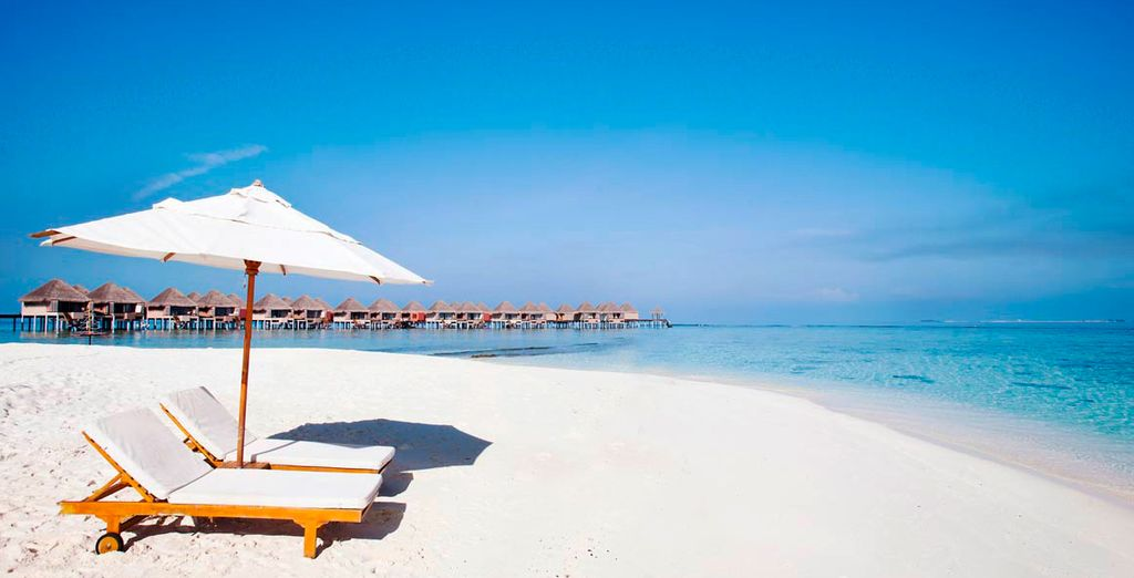 Chill out on the pristine white sands of Adaaran Select Hudhuranfushi - Adaaran Select Hudhuranfushi 4* Male