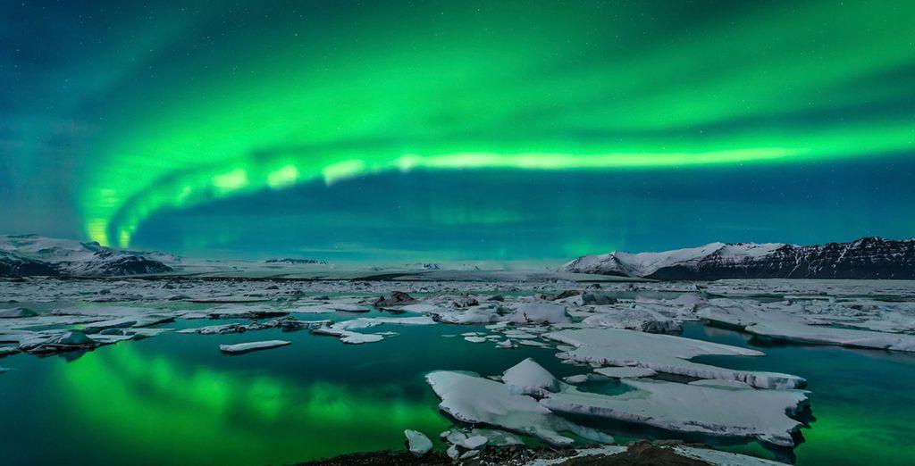 Hunt nature's amazing lightshow - the Northern Lights - Winter Northern Lights Spa Getaway 3* Reykjavik
