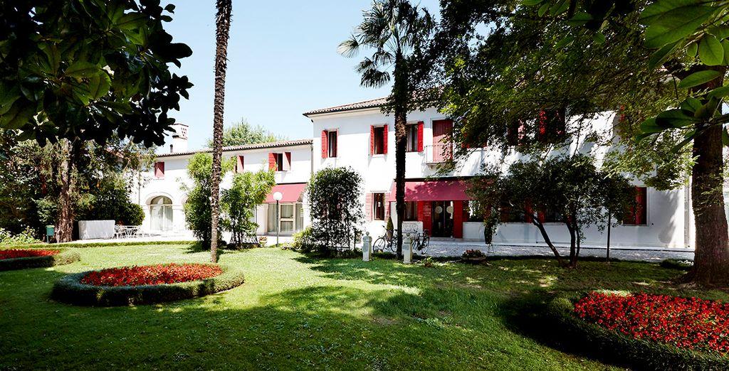 Das Villa Patriarca Hotel 4* lädt Sie zum Entspannen ein