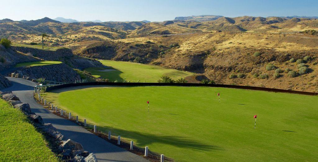 Umgeben von einem Golfplatz