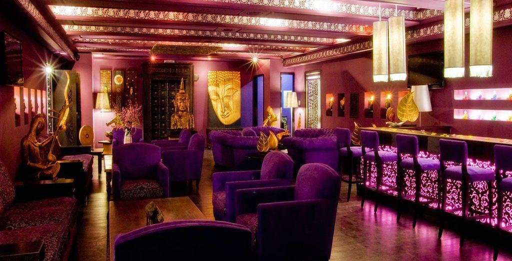 Begeben Sie sich für einen spannenden Abend in die exotische Bar...