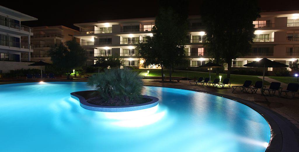 mit einem schönen Pool