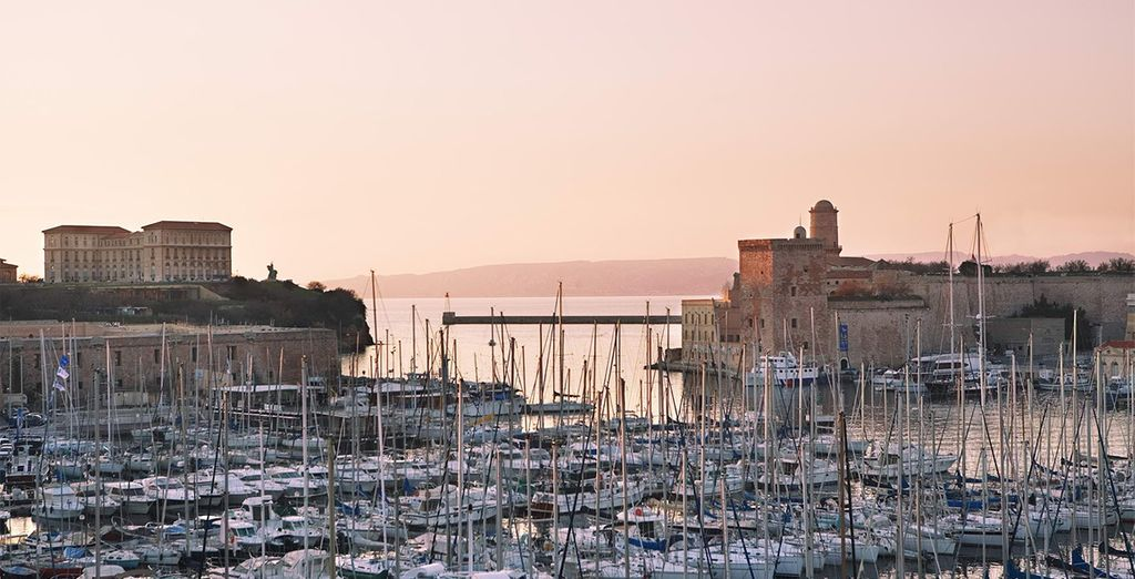 Genießen Sie einen herrlichen Blick auf den Alten Hafen