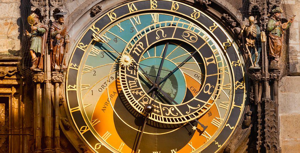 Berühmt für seine astronomische Uhr...