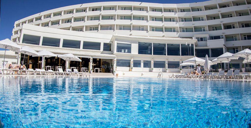 Herzlich Willkommen im On Hotels Oceanfront 4*