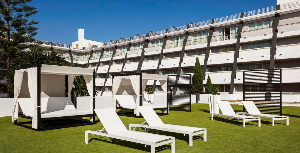 Entspannen Sie sich in der schönen Hotelanlage