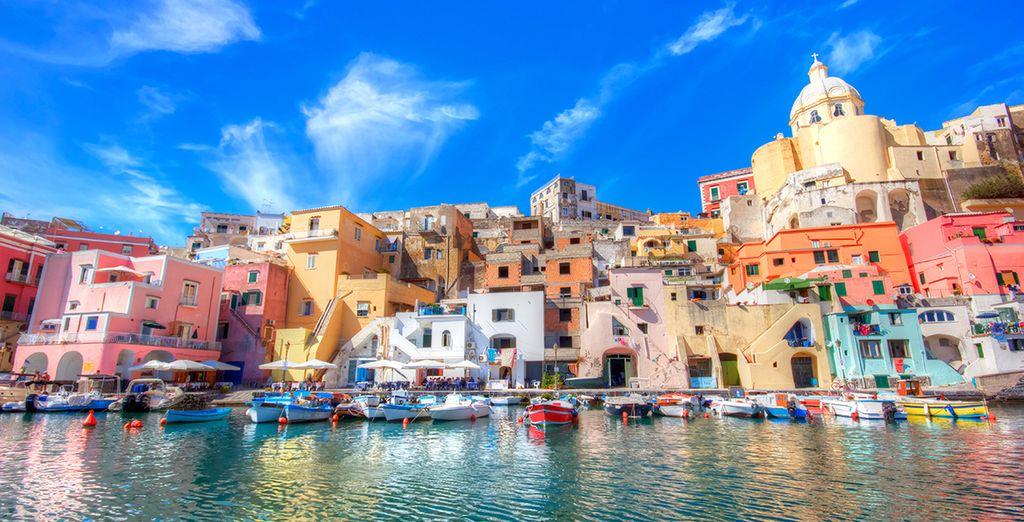Und vergessen Sie nicht die charmante Insel Procida zu besuchen