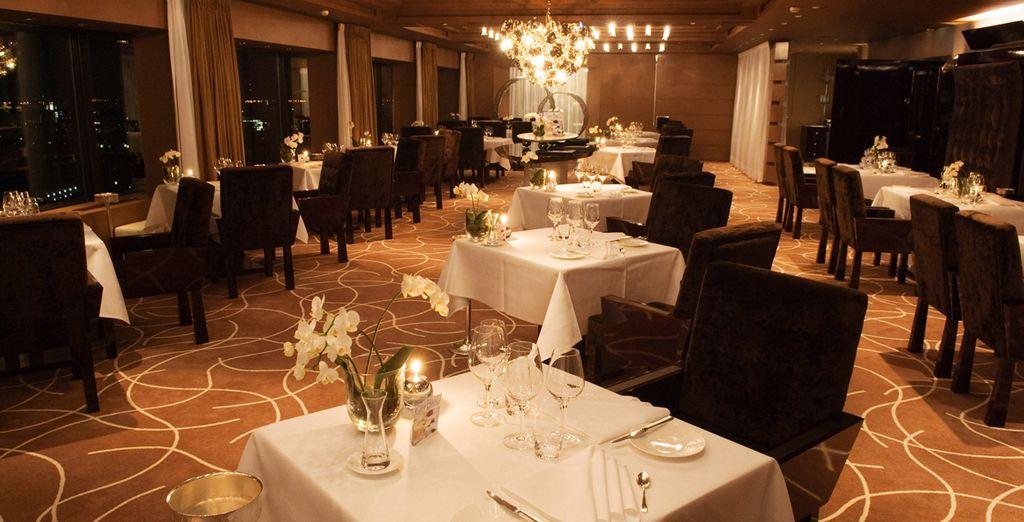 Lassen Sie Ihren Gaumen in einem der 4 Hotelrestaurants verwöhnen - 3 davon sind mit dem Guide Michelin ausgezeichnet