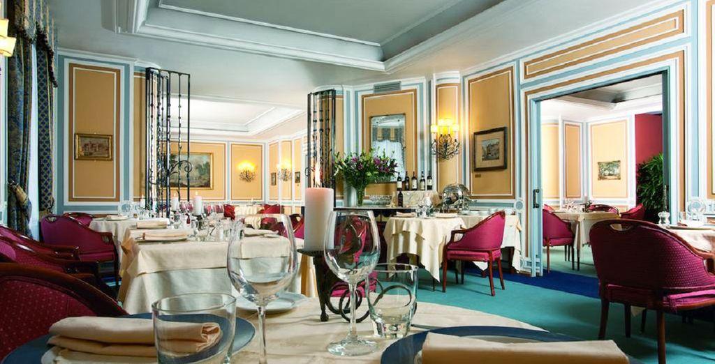Speisen Sie im hoteleigenen Restaurant mit 10% Ermäßigung