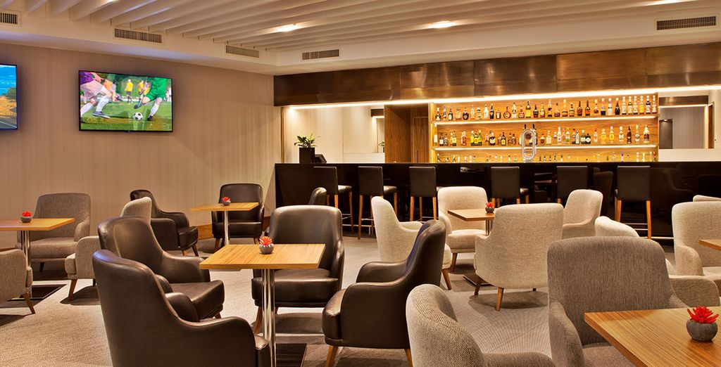Zum Ausspannen einen Drink oder Cocktail in der Adamastor Bar