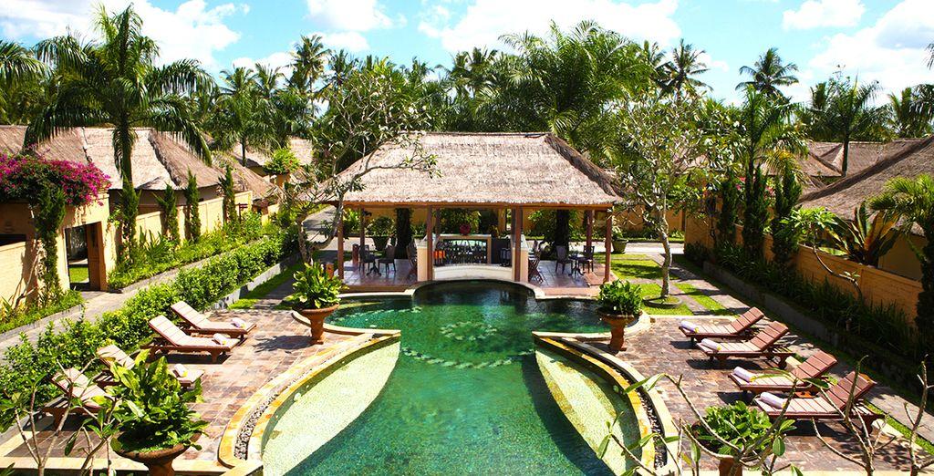 Beginnen Sie lIhren Aufenthalt in Ubud im Furama Villas & Spa 4 *