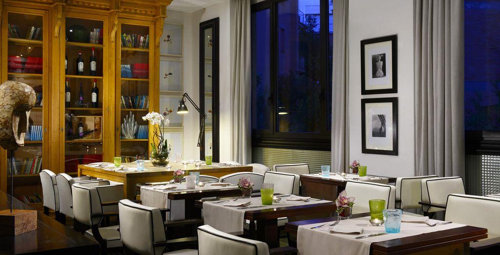 Gönnen Sie sich ein Candle-Light-Dinner im Restaurant Paparazzi