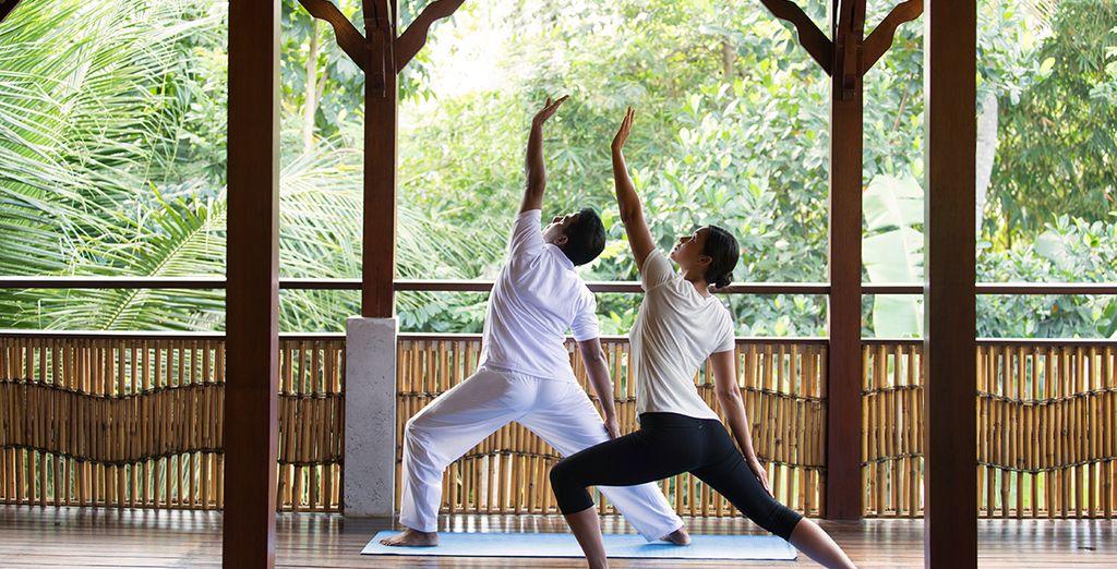 Oder besuchen Sie einen Yoga-Kurs