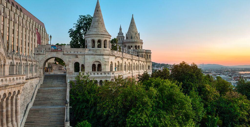 Klettern Sie auf den Berg des Buda Schlosses und genießen Sie die Aussicht