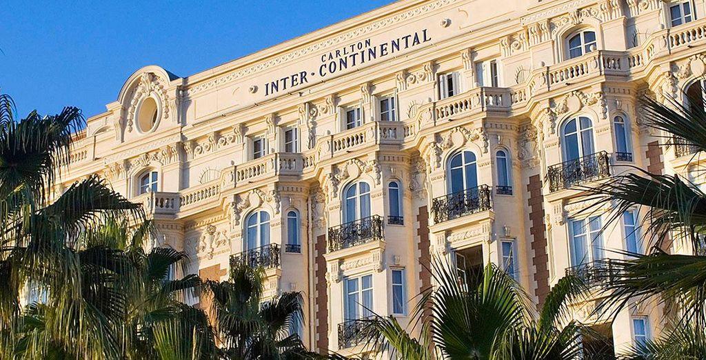 Dann ist das 5* Hotel Intercontinental Carlton in Cannes, genau das richtige für Sie!