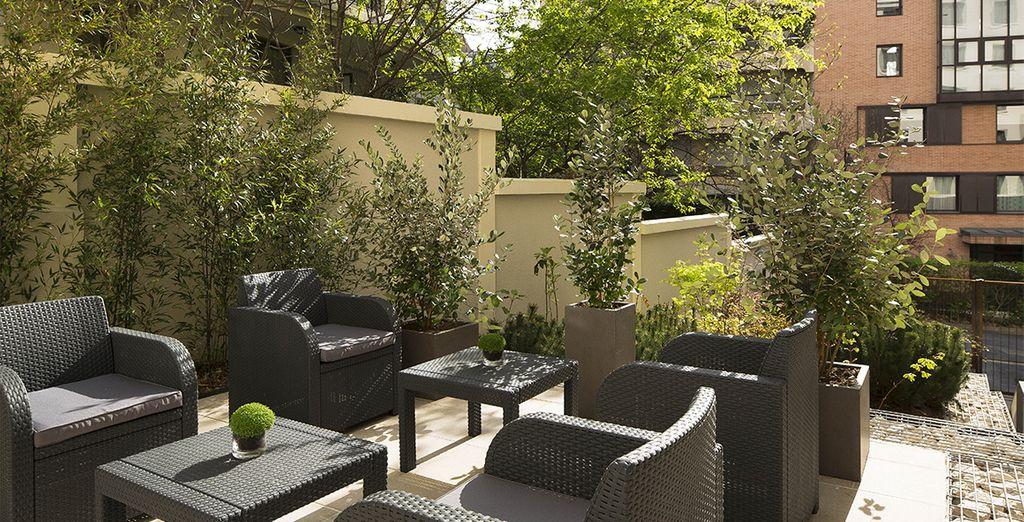 Entspannen Sie auf der Terrasse