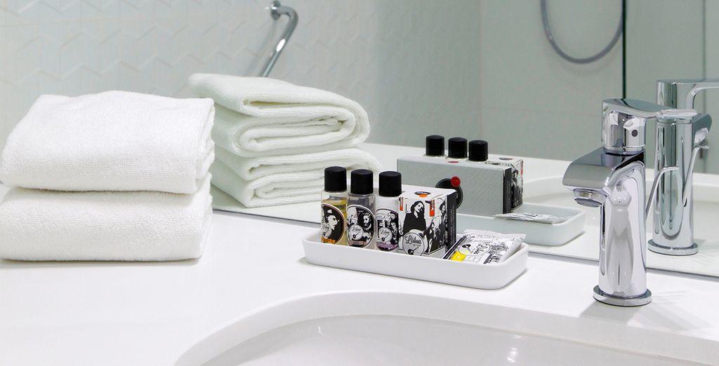 Mit angenehmen Badezimmer