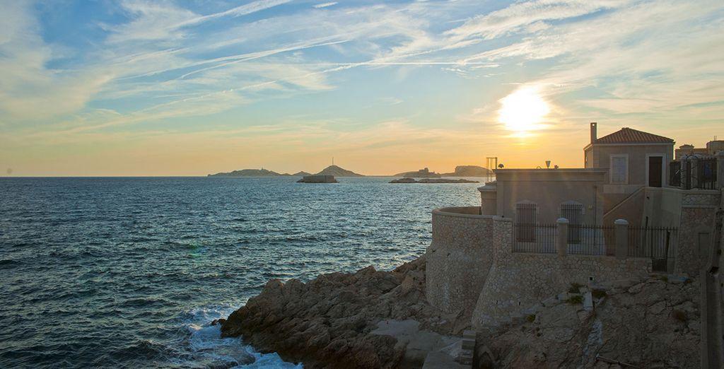 Verpassen Sie nicht den Sonnenuntergang an der Corniche