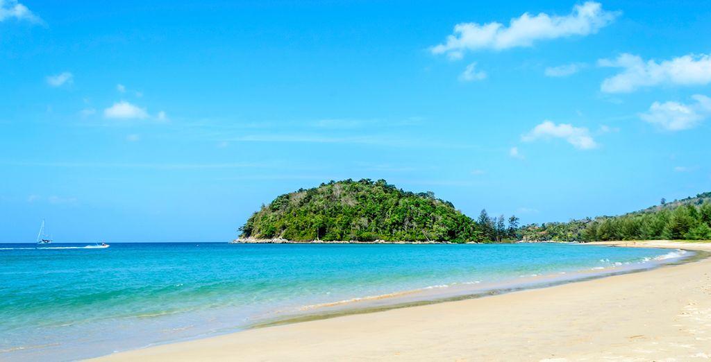 Das Hotel liegt nur wenige Minuten von Layan Beach