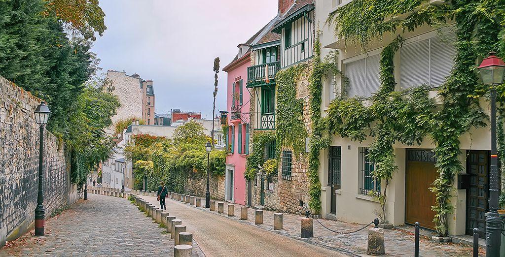 Sie sind nur einen kurzen Spaziergang vom unkonventionellen Montmartre entfernt