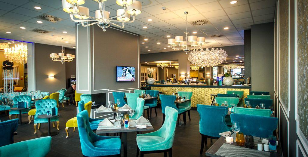 Und auch Mittag- und Abendessen können Sie im eleganen Restaurant des Hotels genießen