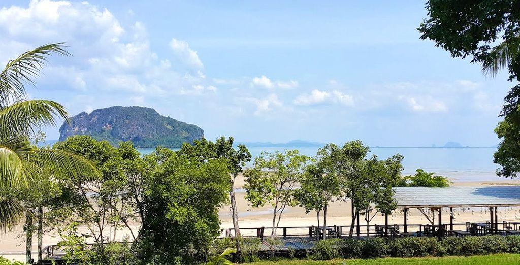 An der Bucht Phang Nga gelegen