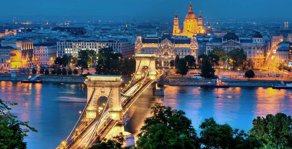 Die Erinnerungen an diese glitzernde Stadt am Fluss bleiben, lange nach der Heimreise