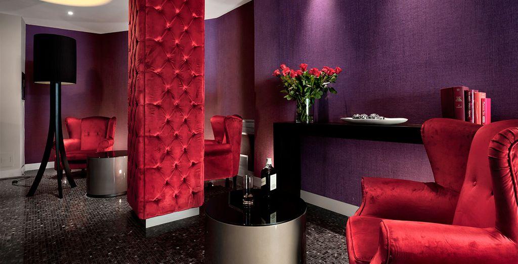 Dann beenden Sie Ihren Abend in der glamourösen Lounge