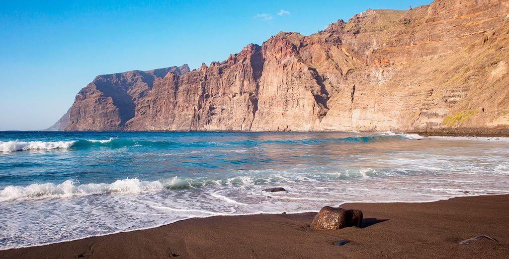 Auf der Insel Teneriffa, Kanarische Inseln in Spanien, gelegen, besuchen Sie während Ihres Urlaubs eine wilde Landschaft.