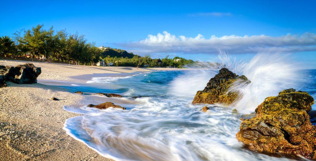 Entspannen Sie sich während Ihres Urlaubs auf Reunion Island an wunderschönen wilden Stränden