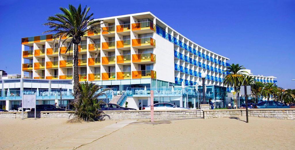 Das familienfreundliche Hotel Nuba Coma-Ruga 4* wartet auf Sie!