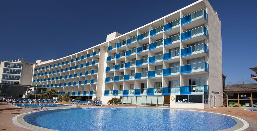 Das Hotel Nuba Comarruga 4* wartet schon auf Sie