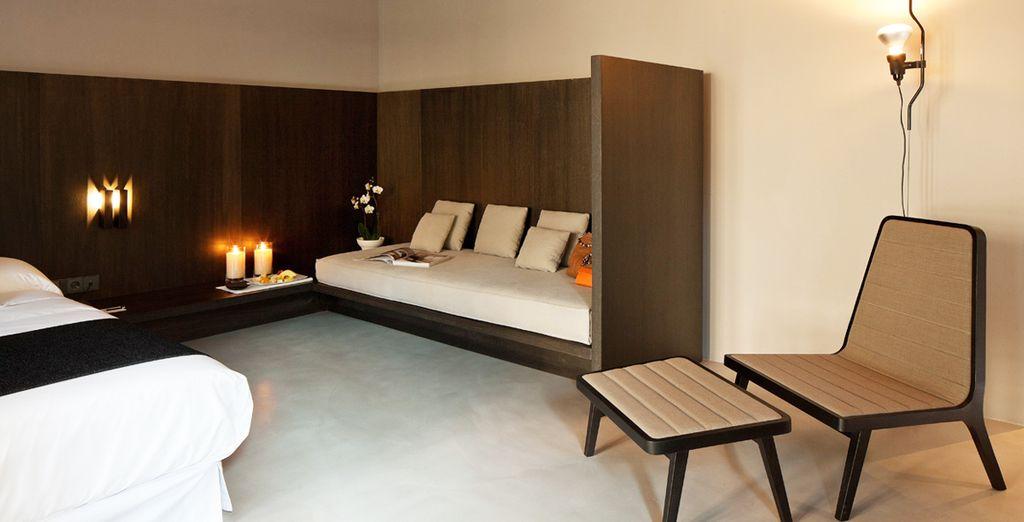 Decorada con mobiliario de diseño contemporáneo