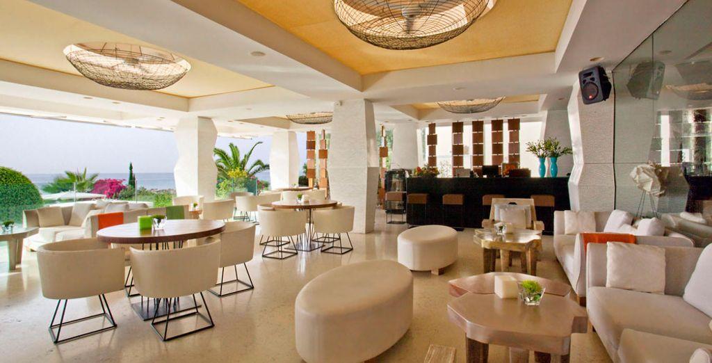 Alójate en el Londa Hôtel 5* en Limassol, al sur de Chipre