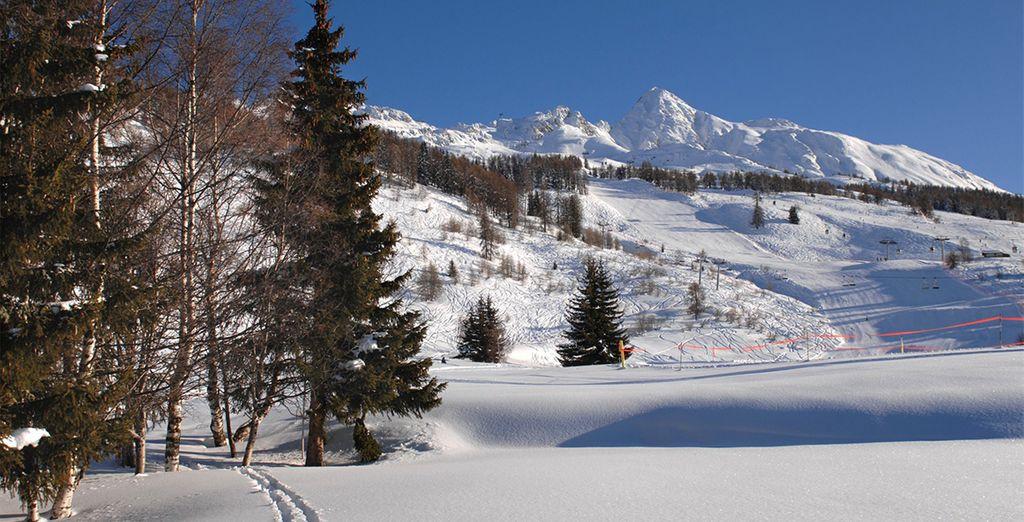 El aparthotel Odalys Edenarc Chantel se encuentra entre las estaciones de esquí de Les Arcs, a 1.850 metros de altitud