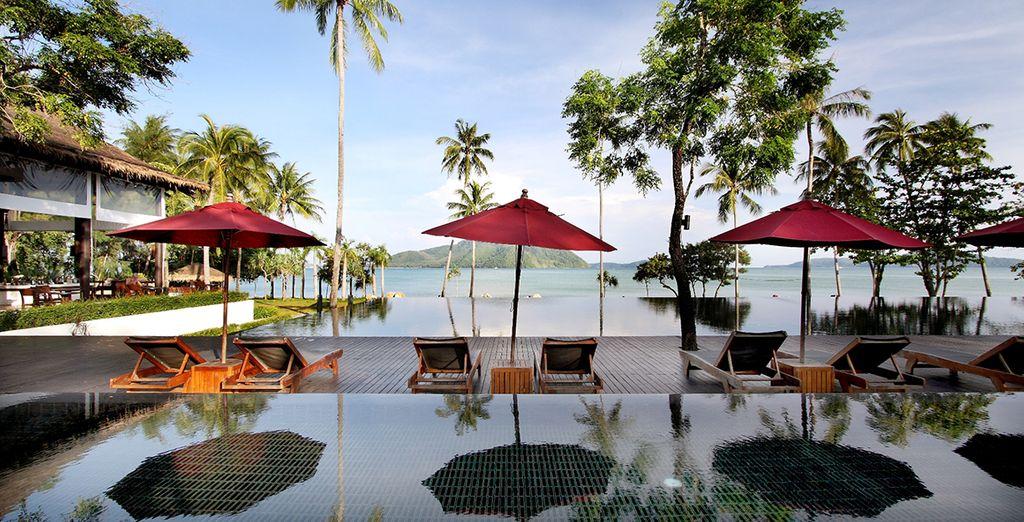 Allí te alojarás en The Vijitt Resort Phuket 5*
