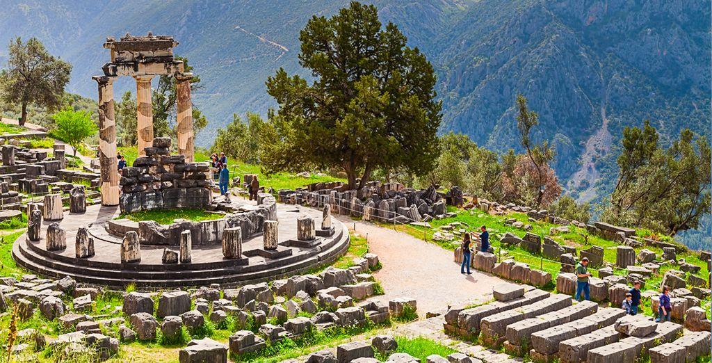 Los bellos restos de un templo en Deplhi