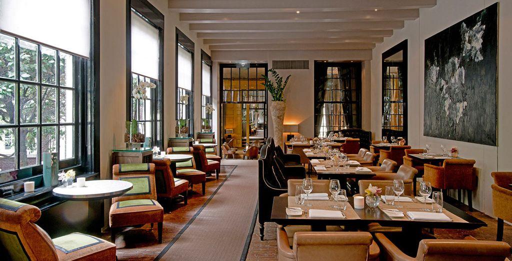 Degusta las especialidades del restaurante, galardonado con una estrella Michelin